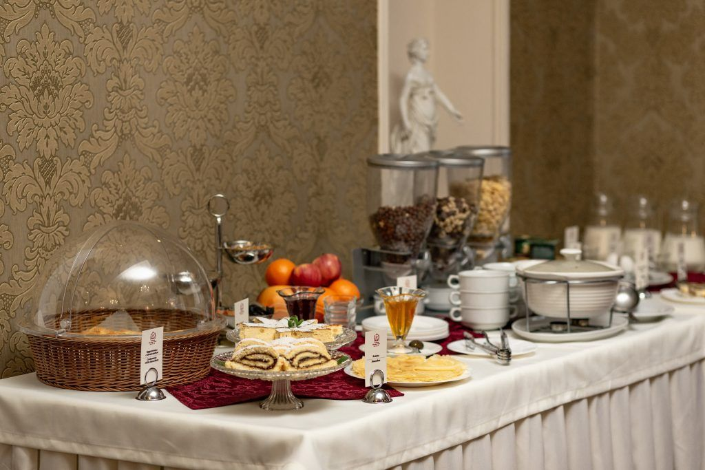 Ресторан в отеле Калифорния в Одессе